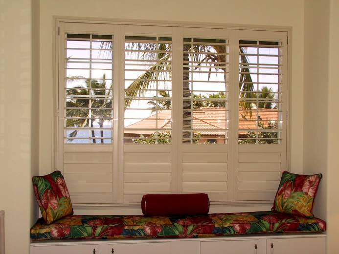 vinyl shutters with offset divider rail